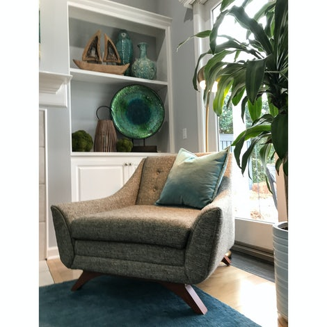 Remarkable Aubrey Chair Creativecarmelina Interior Chair Design Creativecarmelinacom