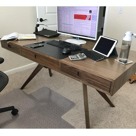 Holland Desk - Photo by Fernando Berrios